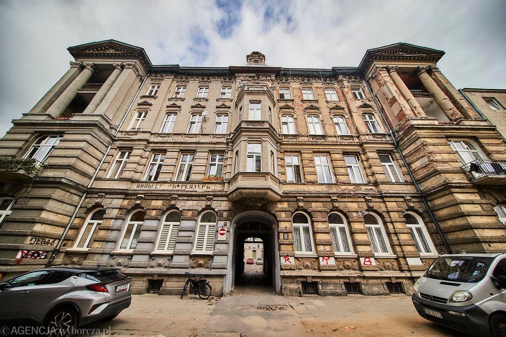 Rewitalizacja w Łodzi. Remont zawalonej w 2019 roku kamienicy przy ul. Rewolucji 1905 roku 29