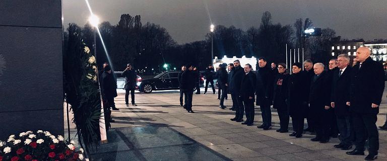 Rocznica stanu wojennego. Kaczyński złożył kwiaty na grobie Kuronia