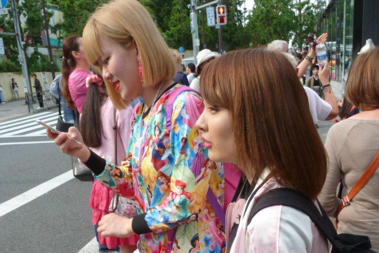 Street fashion w Tokio. Jak ubierają się Japonki?