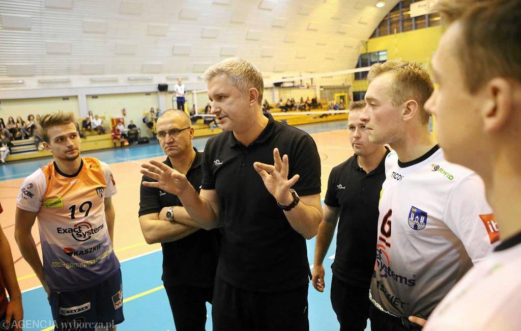 Derbowy mecz II ligi: Exact Systems Norwid Częstochowa - LKPS Borowno.