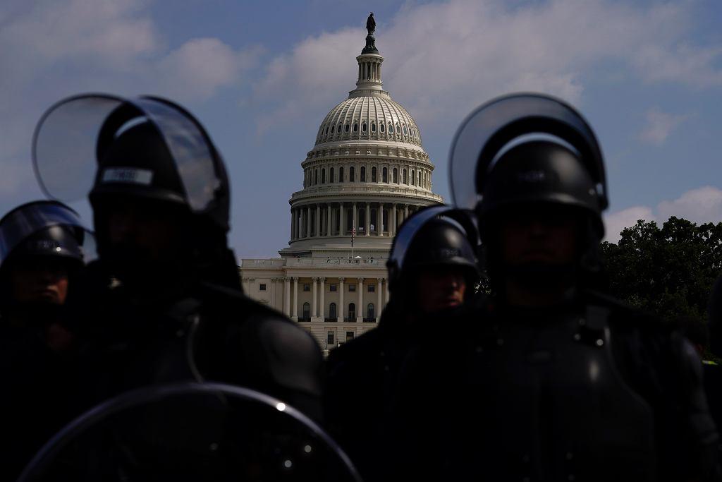 W obawie przed aktami przemocy przed manifestacją okolice Kapitolu zamieniły się w twierdzę