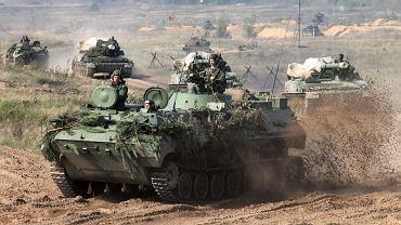 Białoruskie wojsko w drodze na manewry Zapad (Zachód) 2017. Białoruś, gdzieś pod polską granicą, 11 września 2017 r.