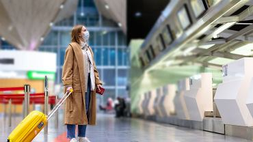 Przypadki zakażeń powiązane z podróżami to niewielki procent wszystkich.