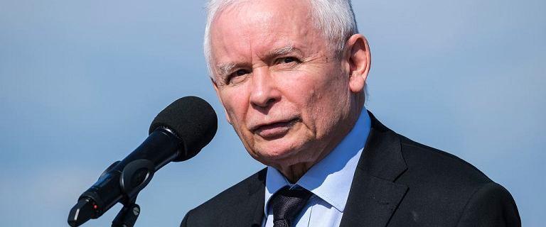 """Kaczyński o cenach paliw i akcyzie: """"Nie powinno się ograniczać dochodów państwa"""""""
