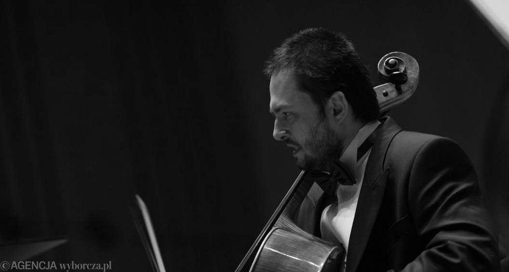 Dominik Połoński gra Koncert wiolonczelowy Olgi Hans - to jego drugi występ po powrocie na estradę. 16 maja, Filharmonia Łódzka