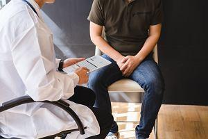 Skręt jądra: przyczyny, objawy, leczenie