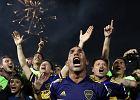 Carlos Tevez pocałował Maradonę prosto w usta i został bohaterem. Co za powrót!