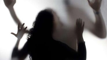 Szokujące wyniki raportu o przemocy seksualnej: prawie każda kobieta zetknęła się z jakąś formą takiej przemocy