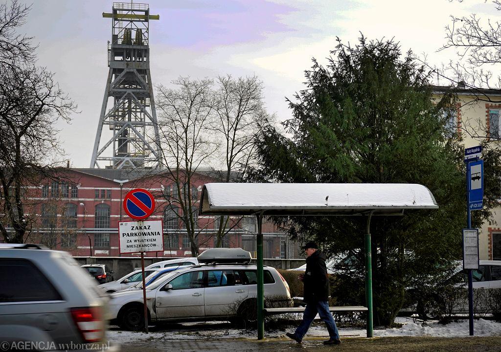 Tragedia w KWK Bobrek w Bytomiu. Nie żyje górnik, którego przysypały skały (zdjęcie ilustracyjne)
