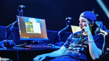 Elias 'Jamppi' Olkkonen podczas turnieju CS:GO. Źródło: Instagram, 2020