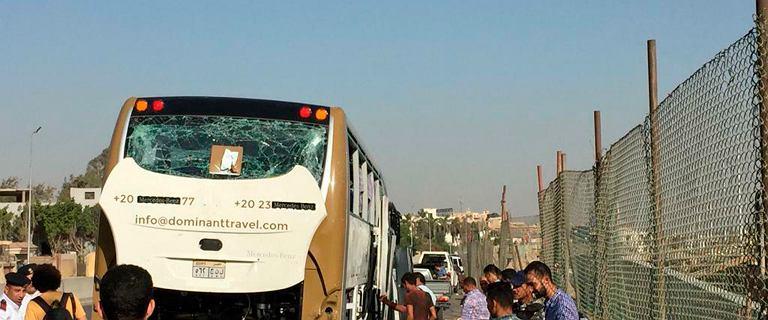 Egipt. Eksplozja w pobli�u piramid w Gizie. Kilkunastu turyst�w rannych