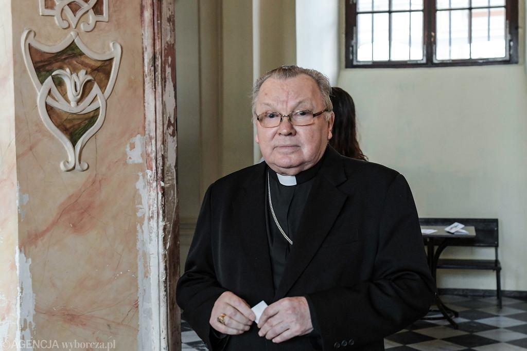 Arcybiskup Marian Gołębiewski