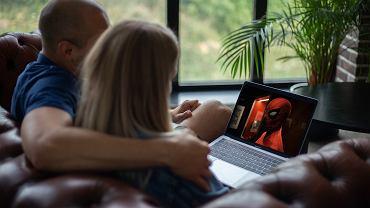 Wspólne oglądanie filmów i seriali