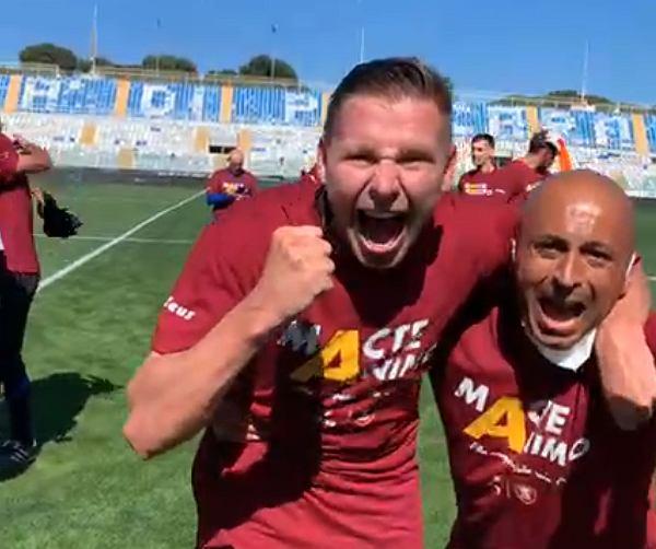 Tomasz Kupisz świętuje awans Salernitany do Serie A!