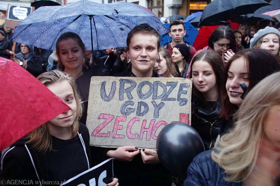 Zdjęcie numer 59 w galerii - Czarny protest w Zielonej Górze:
