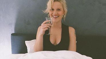 'Boginie'. Aleksandra Domańska z koleżankami pozuje topless na Instagramie