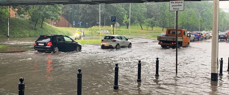 Hydrolog o ulewie w Warszawie: Pretensje do władz miasta są trochę śmieszne