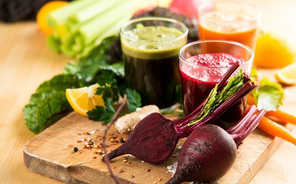Dieta oczyszczająca zalecana jest osobom, które opierają swoje codzienne menu o niezbyt zdrowe dania i przekąski. Główną jej zasadą jest spożywanie dużej ilości warzyw i owoców, które zawierają dużą ilość naturalnego błonnika, antyoksydantów, witamin, a także składników mineralnych.