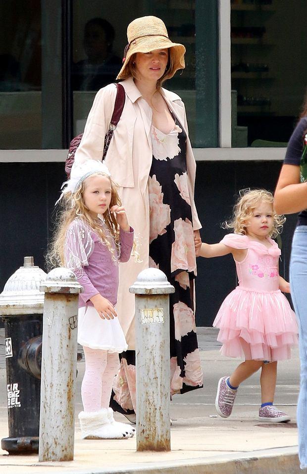Blake Lively z córkami