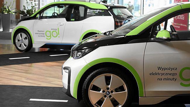 Innogy Go! zmienia regulamin, bo młodzi za często powodują wypadki. BMW i3 będzie dla starszych
