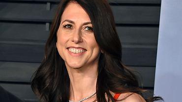 Mackenzie Scott, była żona Jeffa Bezosa, przekazała 2,7 mld dol. organizacjom pozarządowym