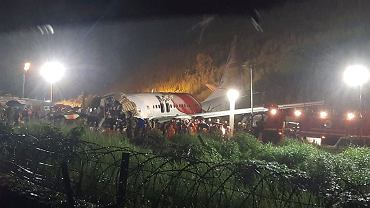 Wypadek samolotu pasażerskiego w Indiach. Na pokładzie było blisko 200 osób