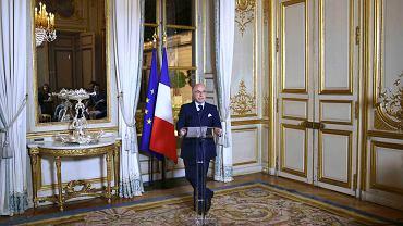 Rząd Francji po cichu uruchomił centralną bazę danych o obywatelach. Dekret przygotowało Ministerstwo Spraw Wewnętrznych. Powstało wrażenie, resort kierowany przez Bernarda Cazeneuve (n/z) chce coś ukryć nie tylko przed opinią publiczną, ale nawet przed innymi ministrami...