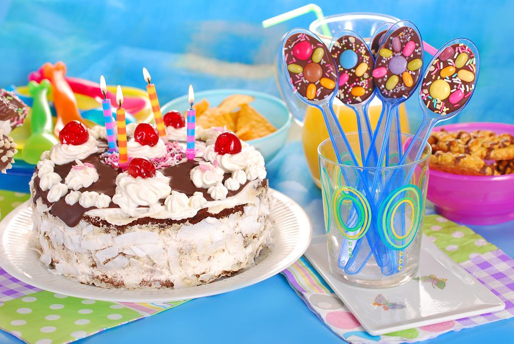 Torty urodzinowe dla dzieci - jest w czym wybierać. Ostatnie zdanie powinno należeć do dziecka