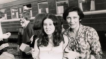 Wyjazd Anny Karpińskiej z Dworca Gdańskiego, 23 lipca 1969.