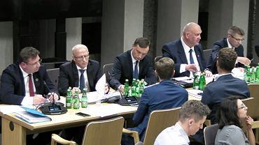 Posiedzenie Komisji Sprawiedliwości i Praw Człowieka zajmuje się wnioskiem o wotum nieufności dla Zbigniewa Ziobry