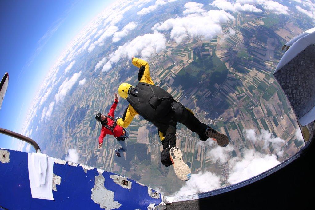 Skok z 4 tysięcy metrów