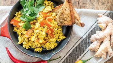 Indyjska tofucznica, przepis pochodzący z książki 'Depresja. Jedzenie, które leczy'