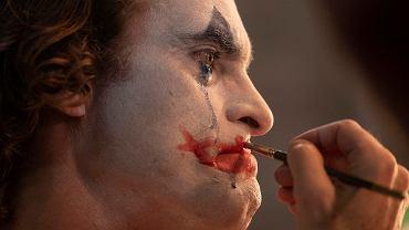 'Joker' - film Todda Philipsa. W kadrze: Joaquin Phoenix
