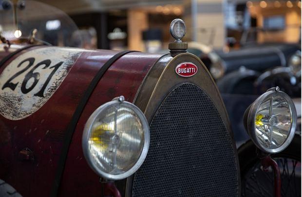 Zdjęcie numer 11 w galerii - Kultowe modele samochodów Bugatti zjechały do Katowic [ZDJĘCIA]