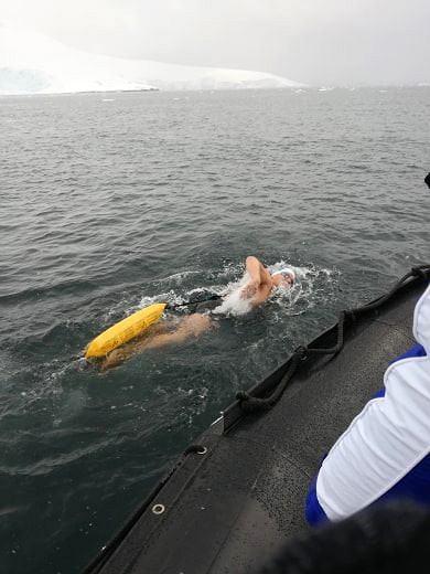 Zdjęcie numer 2 w galerii - Nieprawdopodobny wyczyn polskiego pływaka.