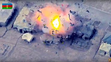 Kadr z nagrania nalotu drona, opublikowany przez ministerstwo obrony Azerbejdżanu