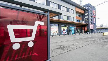 Pierwsza niedziela z zakazem handlu w Warszawie - Carrefour Market