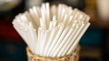 Biodegradowalne słomki w kawiarniach w Warszawie. Czy takie będą także w Bielsku-Białej?