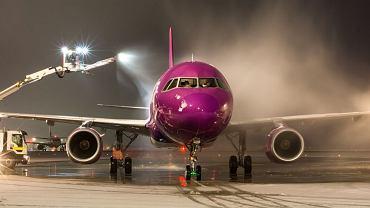 LS Airport Services w Katowice Airport odpowiada za obsługę handlingową samolotów linii Wizz Air, w tym m.in. za ich odladzanie.
