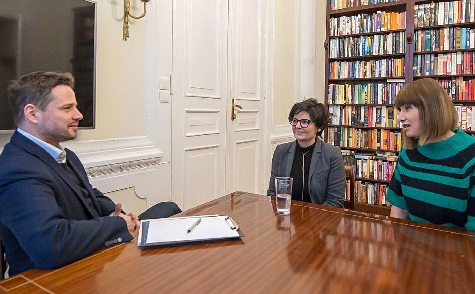 Grażyna Wolszczak wycofała swój pozew ws. smogu przeciwko Warszawie. Państwo pozywa nadal