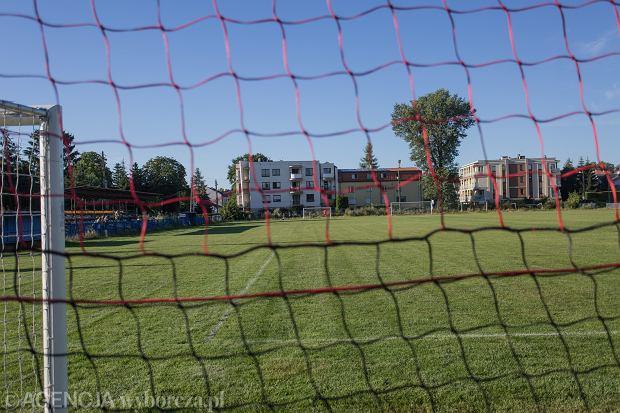 Polski piłkarz został brutalnie pobity przez kibica na meczu, który miał odbyć się bez publiczności