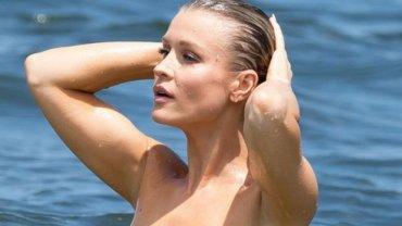 Joanna Krupa toples