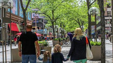 Jak współcześni rodzice radzą sobie z nadmiarem obowiązków?
