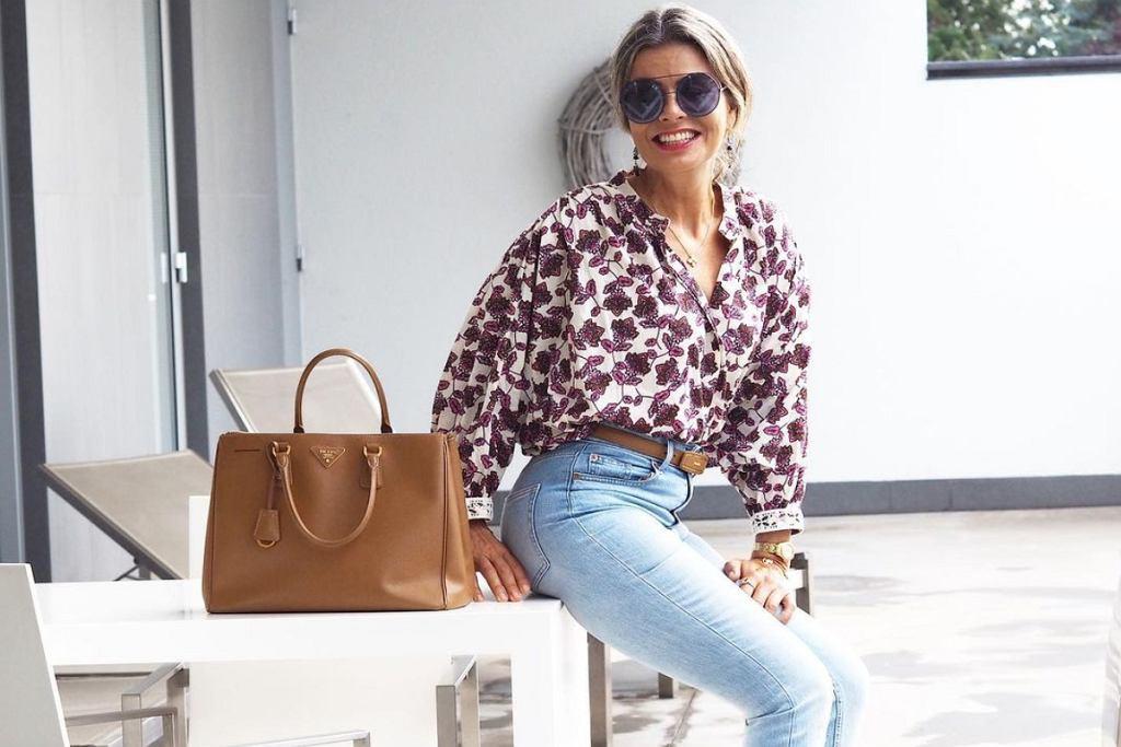 Koszule we wzory - najlepszy przyjaciel dojrzałych kobiet pełnych klasy!