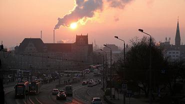 Sąd w Warszawie uznał, że za to, że przez smog naruszane są nasze dobra osobiste, w tym zdrowie, odpowiada skarb państwa - mówi mec. Radosław Górski