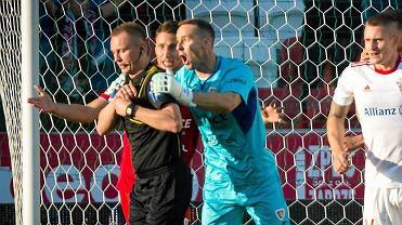 Jakub Szmatuła podczas meczu Górnika Zabrze z Piastem Gliwice (1;0)