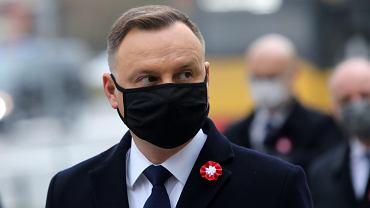 USwieto Niepodleglosci . Prezydent sklada wieniec pod pomnikiem Dmowskiego w Warszawie
