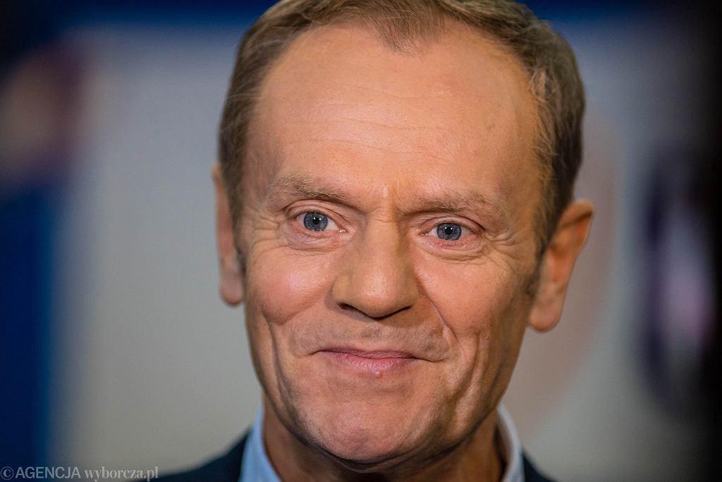 Donald Tusk głosuje w wewnętrznych wyborach na przewodniczącego Platformy Obywatelskiej