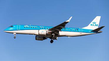 Pasażer oskarżył KLM o dyskryminację z powodu kartki na toalecie