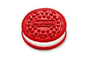 Ciastka Oreo z logo Supreme osiągają niedorzeczne ceny na aukcjach